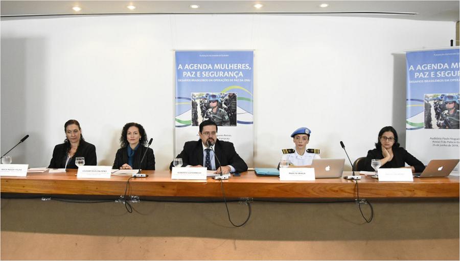 """MRE e FUNAG realizam o seminário """"A agenda Mulheres, Paz e Segurança: desafios brasileiros em operações de paz da ONU"""""""