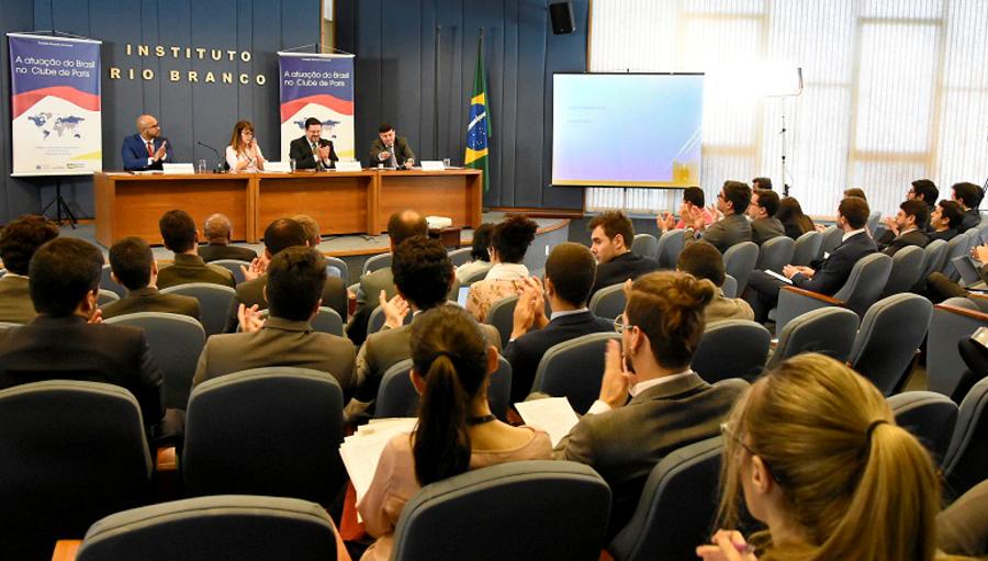 Itamaraty e FUNAG promoveram palestra sobre o Clube de Paris
